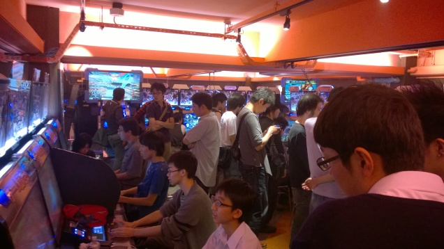 Nothing will stop me from taking pictures of random people! Not even a 3v3 Dengeki Bunko Fighting Climax tournament!